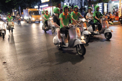 Hanoi city tour by motorbike/scooter
