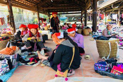 sapa-market-viet-flame-tours
