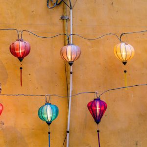 8, Go for a stroll to the Lantern Market